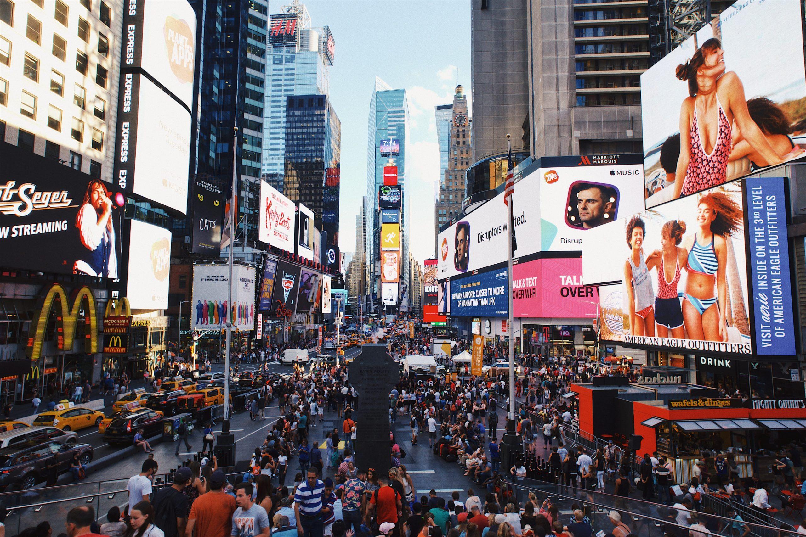 Das perfekte Werbeplakat: Die 7 goldenen Regeln der Plakatgestaltung